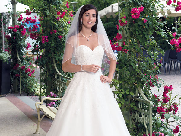 Hochzeitsmode im Modehaus Chic Pulsnitz
