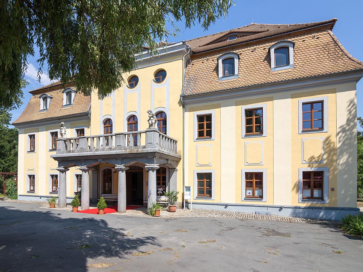 Schloss Nedaschuetz