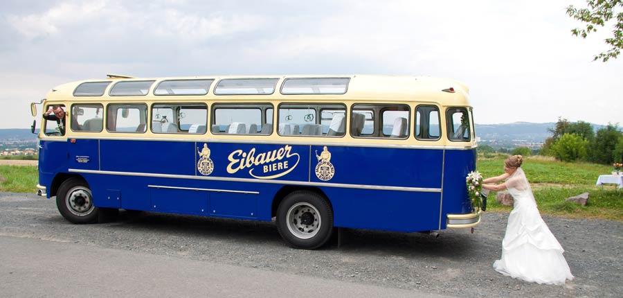 Heiraten im Bus