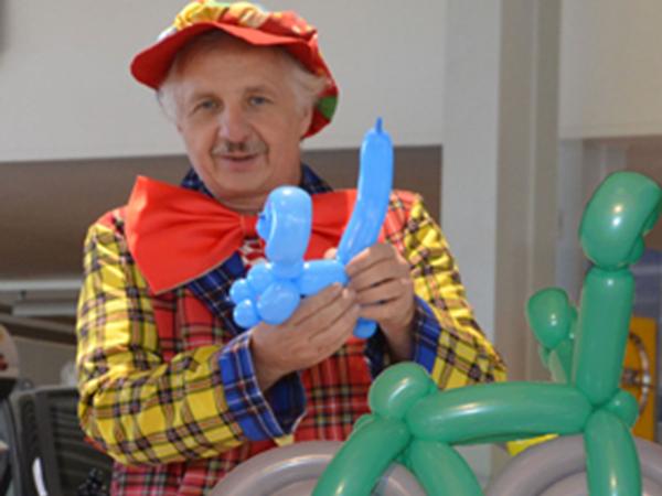 Ballondekoration Dresden - Ballonkünstler Clown Reiner