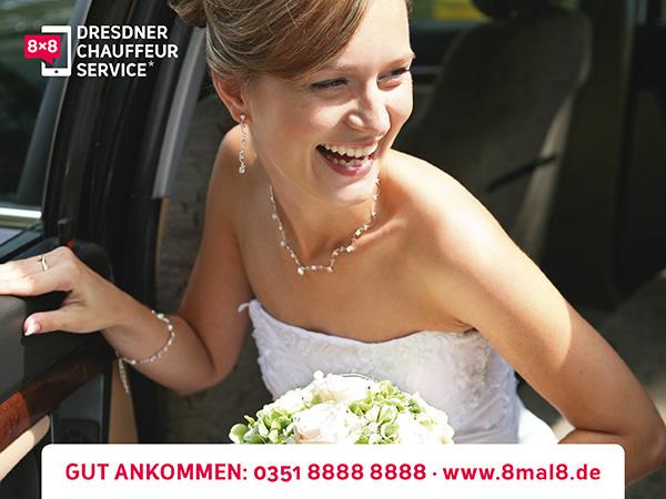 Ein passendes Hochzeitsauto mit Chauffeur in Dresden von 8x8 Chauffeur Service